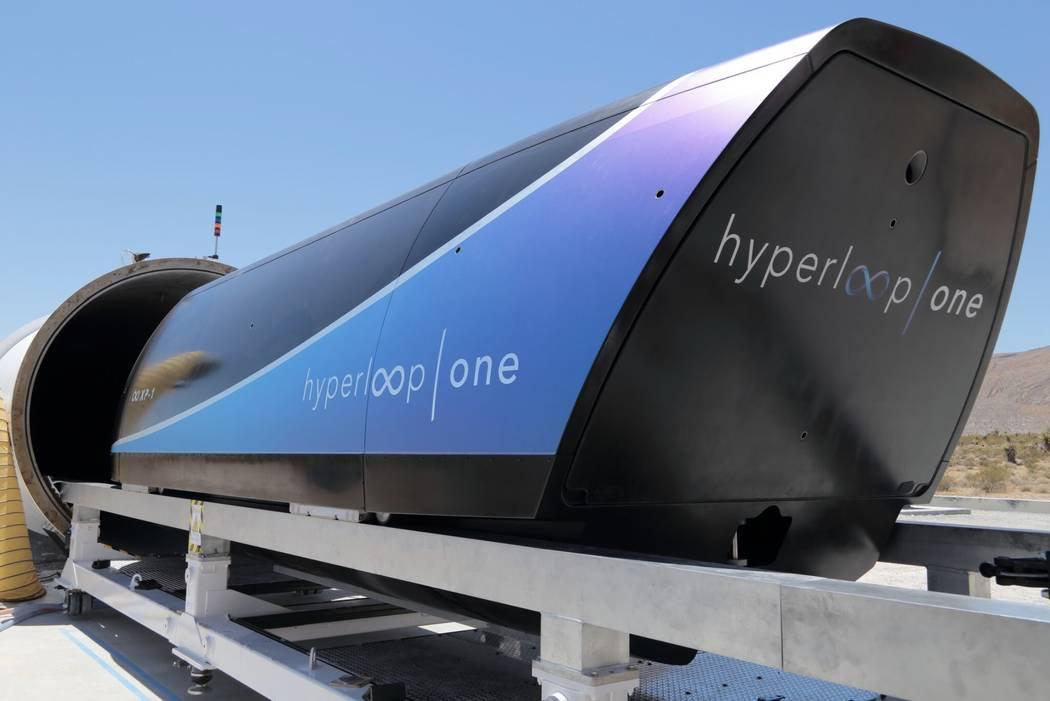 Капсулу компании Virgin Hyperloop One разогнали до 386 км/ч