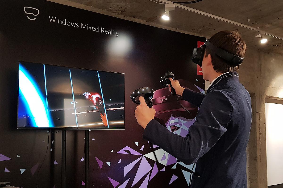 Lenovo Explorer и Microsoft Mixed Reality: виртуальная