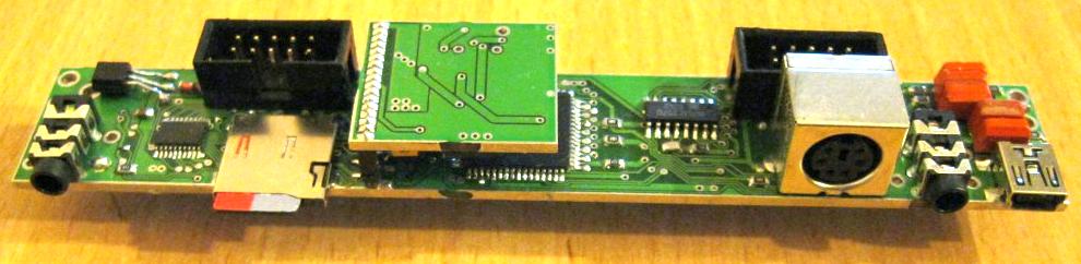 плата AVR ZX-Spectrum 2.0 с установленным эмулятором AY8910(12), кстати тоже на ATMega