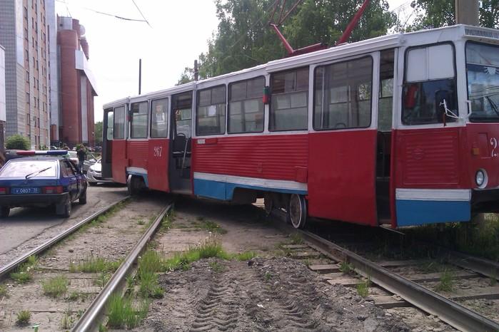 Трамвай на 2 рельсах