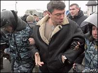 задержание Немцова прошло спокойно и слажено