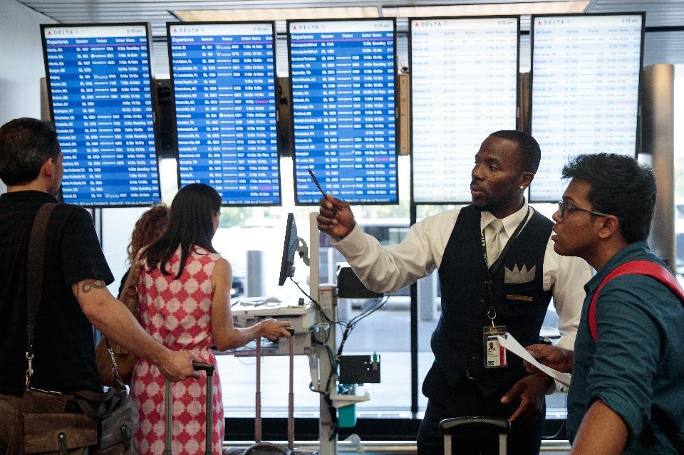 Как сбой в дата-центре может привести к отмене тысяч рейсов крупнейших авиакомпаний