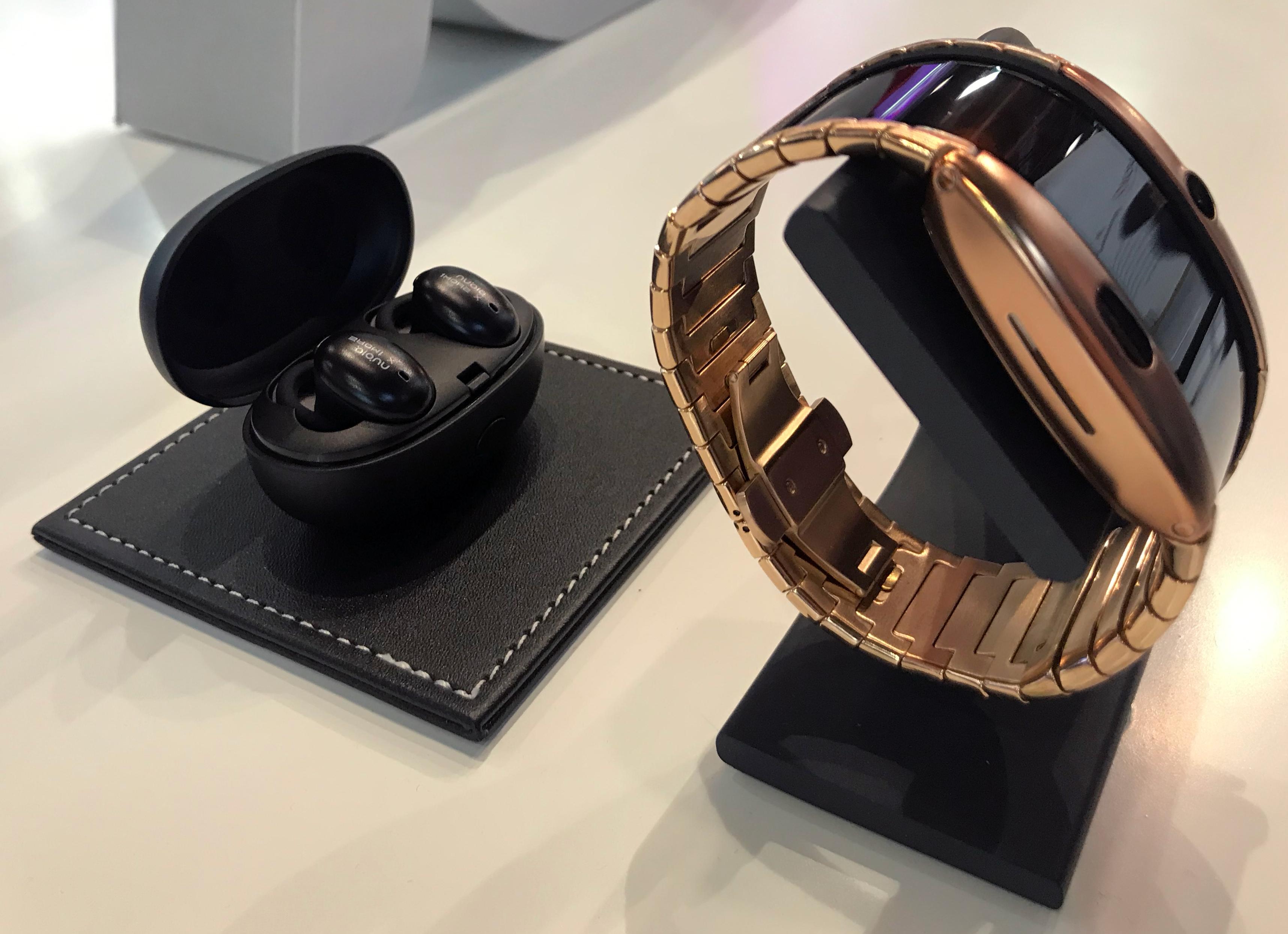ZTE показала часы-смартфон α
