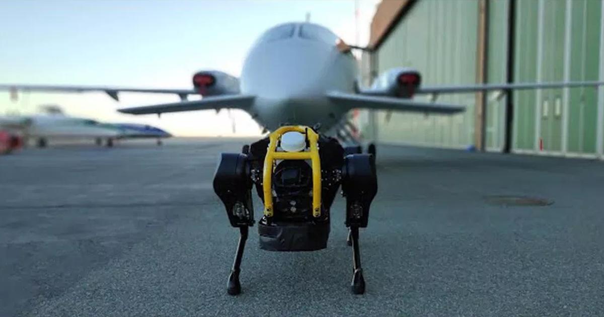 Четырехногий робот смог отбуксировать самолет весом в 3,3 тонны