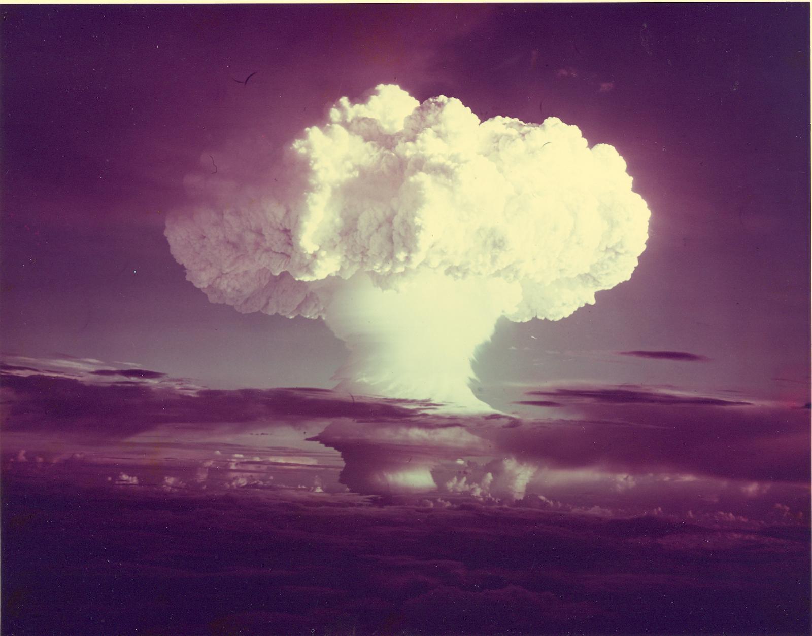 Громче, Чем Бомбы – Эротические Сцены