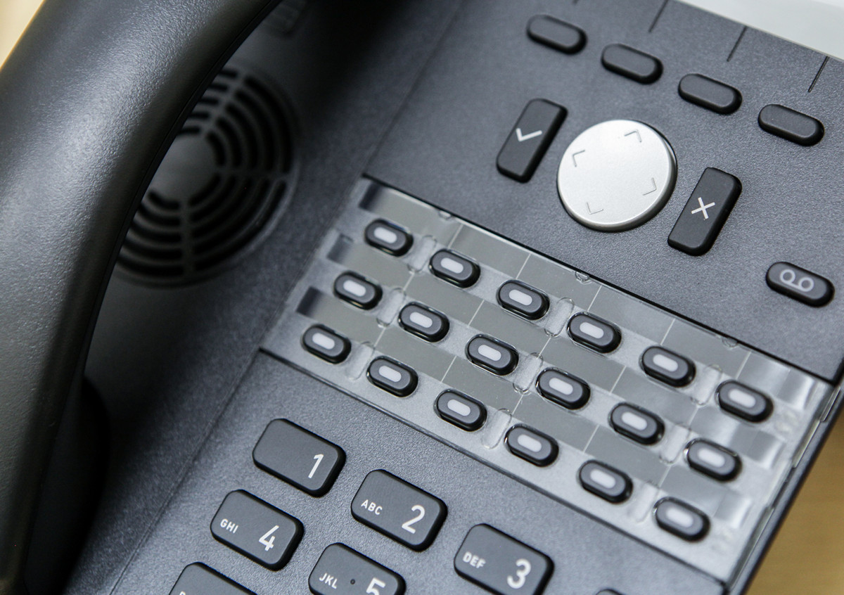 Snom D725 IP Phone Review