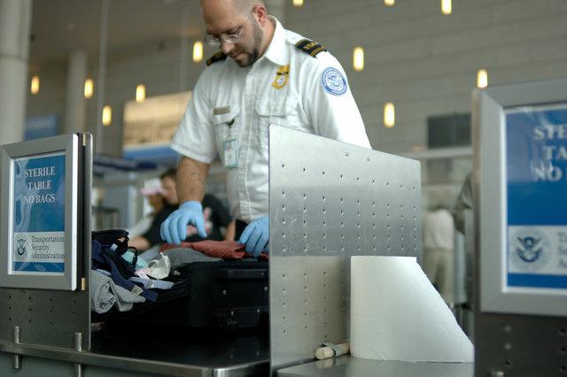 На рейсы в США запретят проносить разряженные телефоны