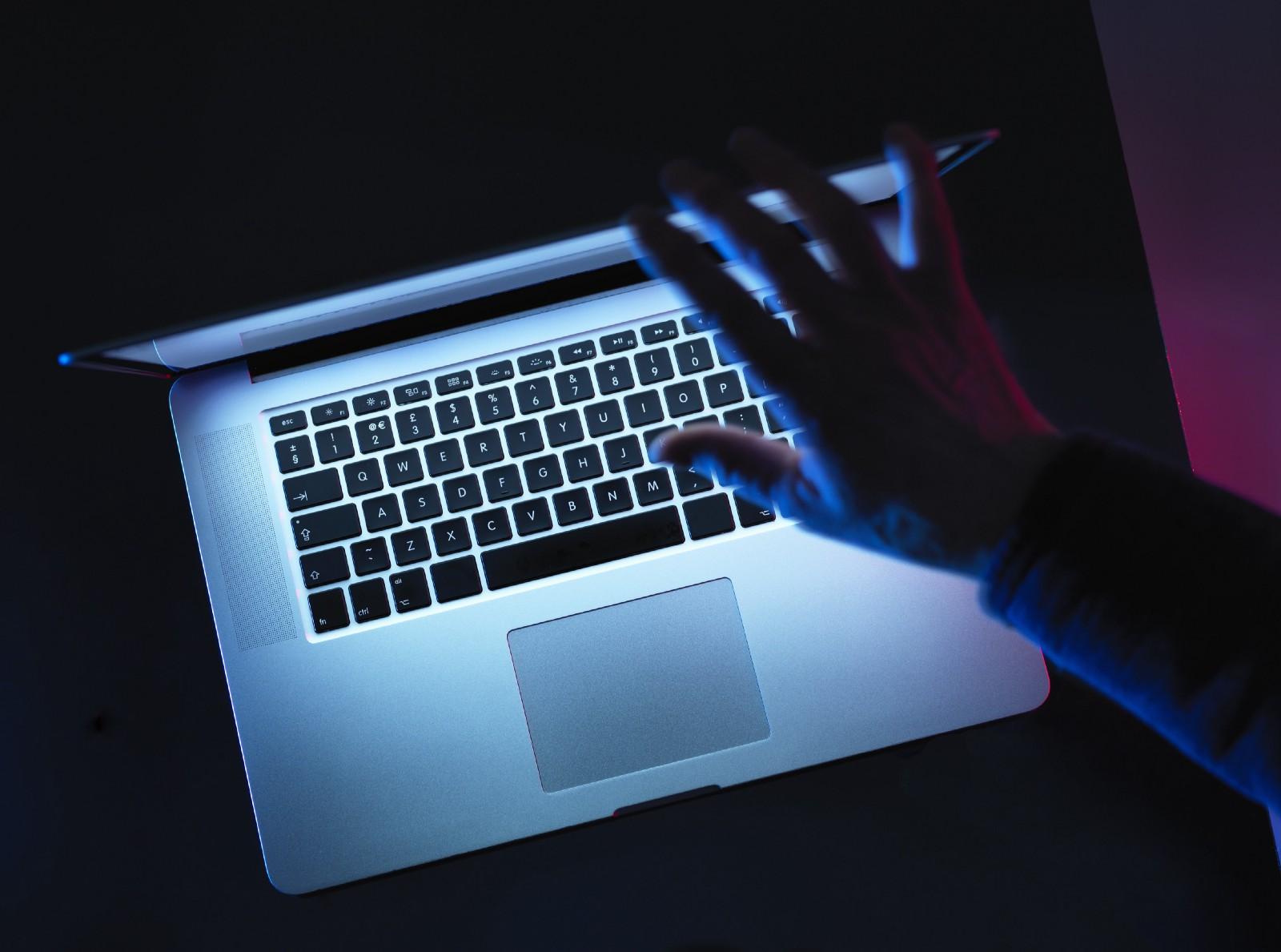 [Перевод] Тёмный режим не решит проблем с экранами