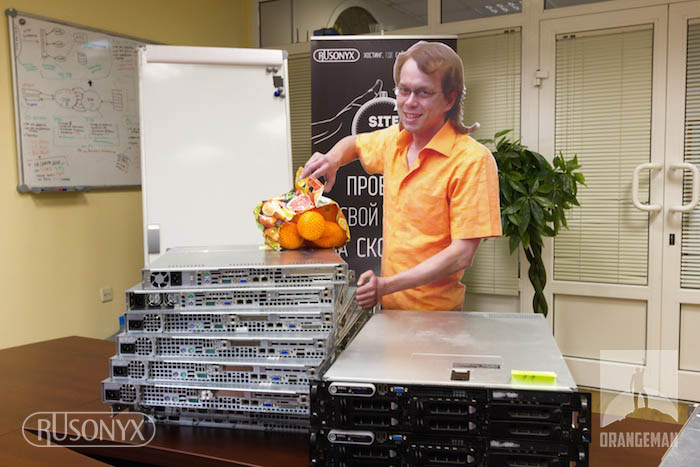 ORANGEMAN: Русоникс бесплатно раздает серверы