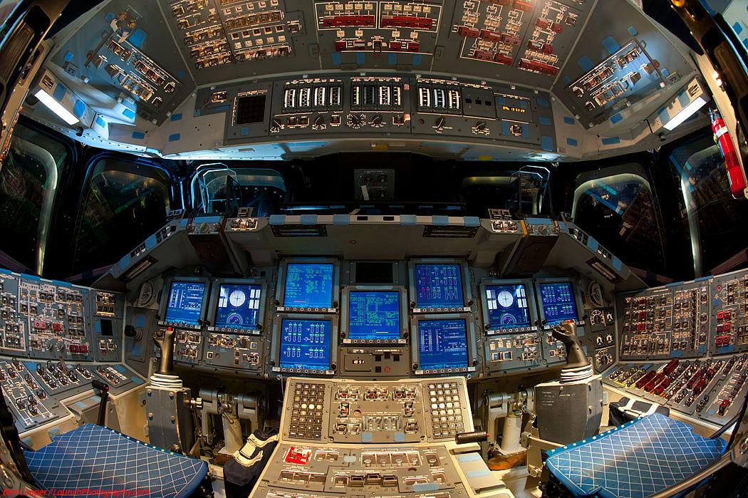 Шаттл Endeavour изнутри: фотографии с последнего запуска