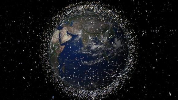 Роскосмос построит аппарат-мусорщик для расчистки орбиты