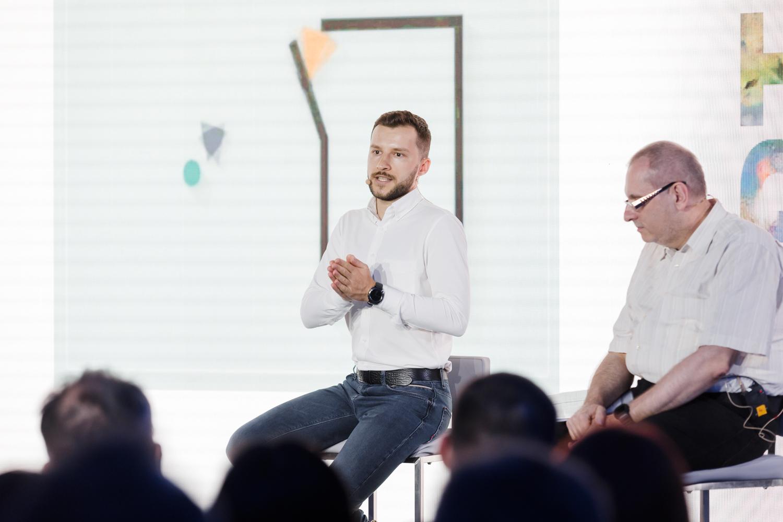 Вячеслав Лебедев и Владислав Шершульский на дискуссии о том, можно ли считать ИИ создателем арт-объекта