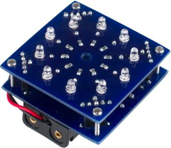 прототип электронного тортика на ATTiny44 с двумя батарейками АА