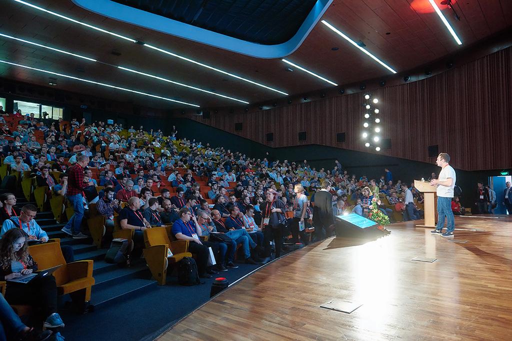 Превращаем докладчиков в спикеров #2: разбор выступления Артема Данилова, Авито
