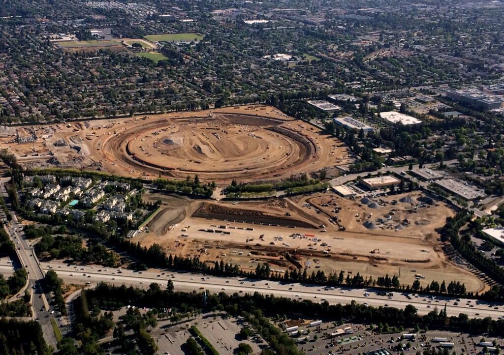 Новый офис-«космический корабль» Apple в процессе строительства