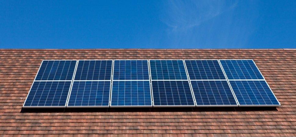 Нейросеть научили обнаруживать солнечные панели на спутниковых снимках и предсказывать уровень их распространения