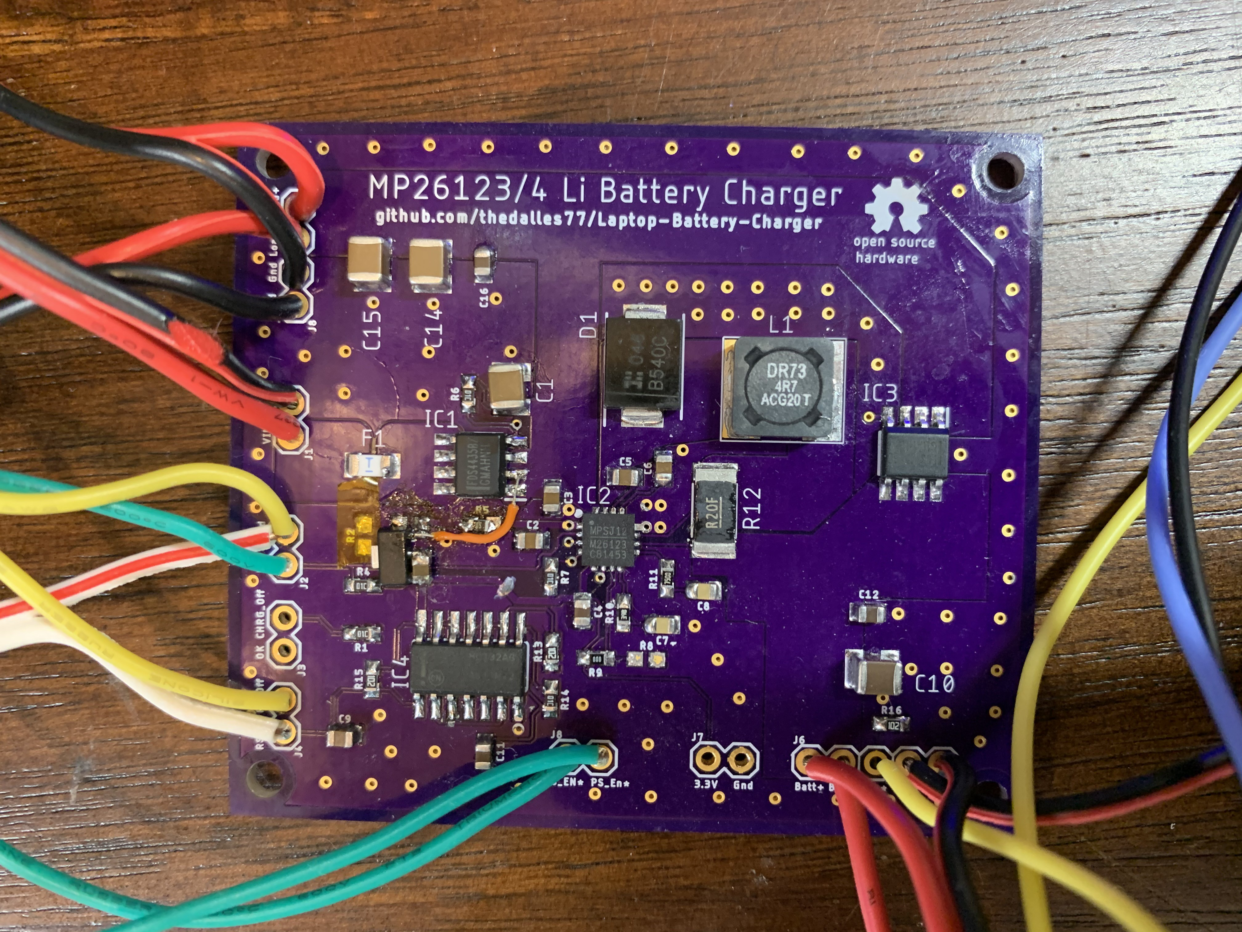 Перевод DIY-зарядник для аккумуляторов ноутбуков на базе контроллера MP26123MP26124