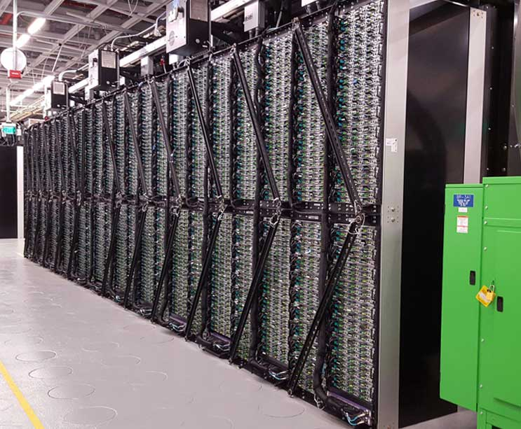 Новый дата-центр Intel: высокая эффективность и экстремальная плотность размещения оборудования