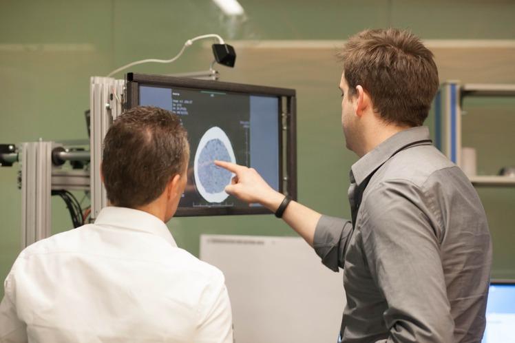 Microsoft разработала сенсорный 3D-экран с тактильной отдачей