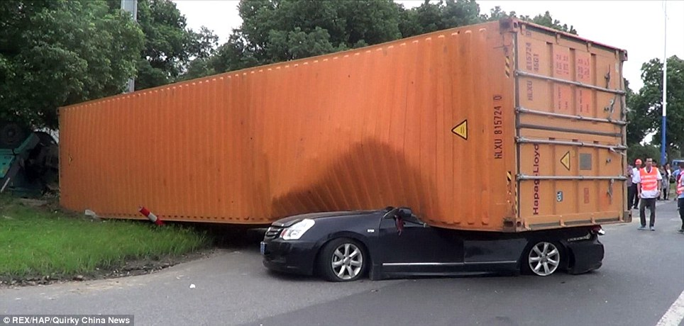 Docker: когда нужно размещать контейнер на виртуальной машине?