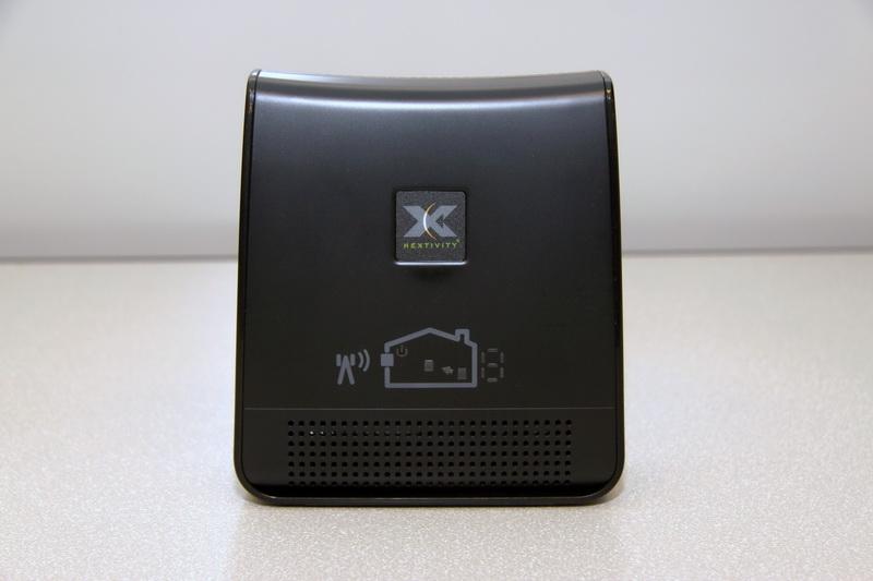 Устройство покрытия Cel-Fi RS2 black — вид спереди
