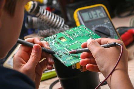 В США легализовали взлом смарт-девайсов и бортовых компьютеров с целью ремонта и апгрейда
