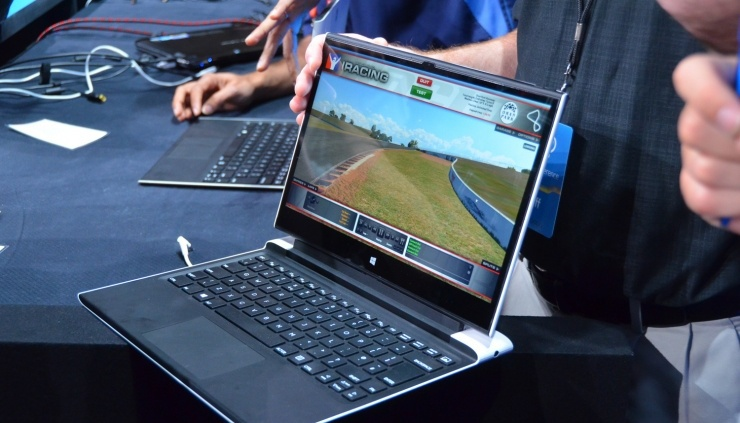 Intel представила прототип ноутбука с беспроводной зарядкой, WiGig и пассив ...