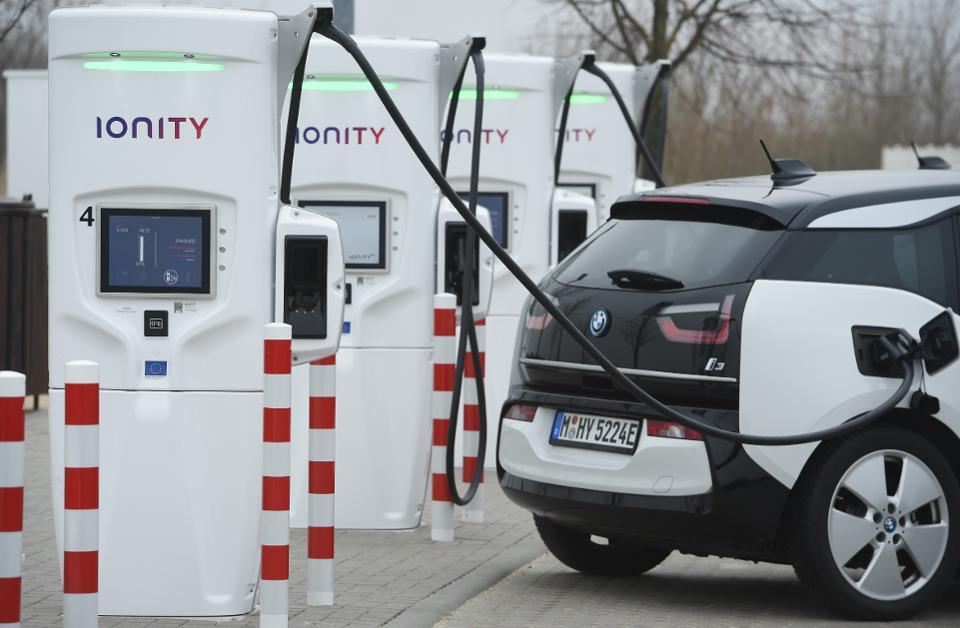 Перевод Будущее автозаправок 50 или 250 кВт