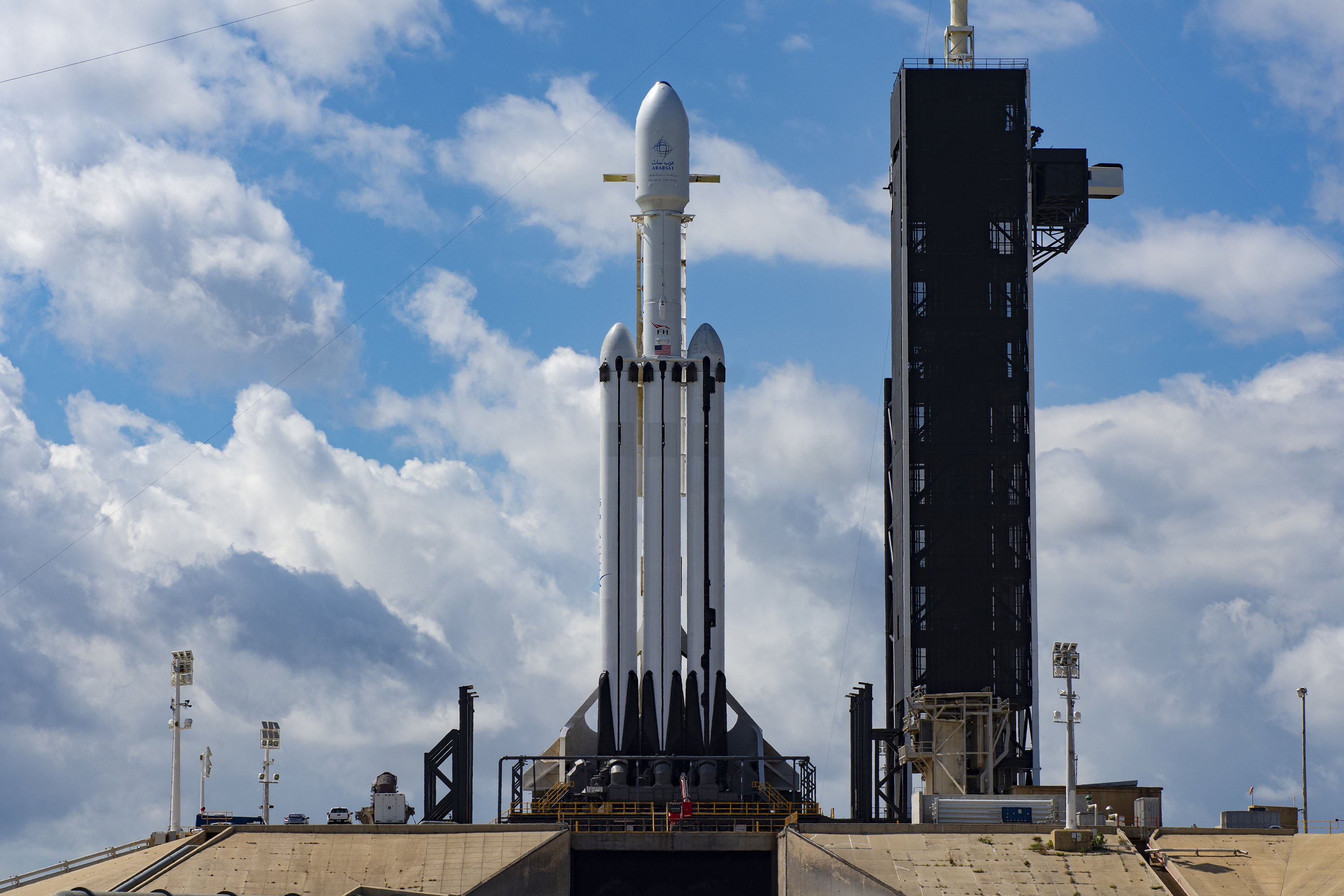 spacex falcon heavy launch today - HD3000×2000