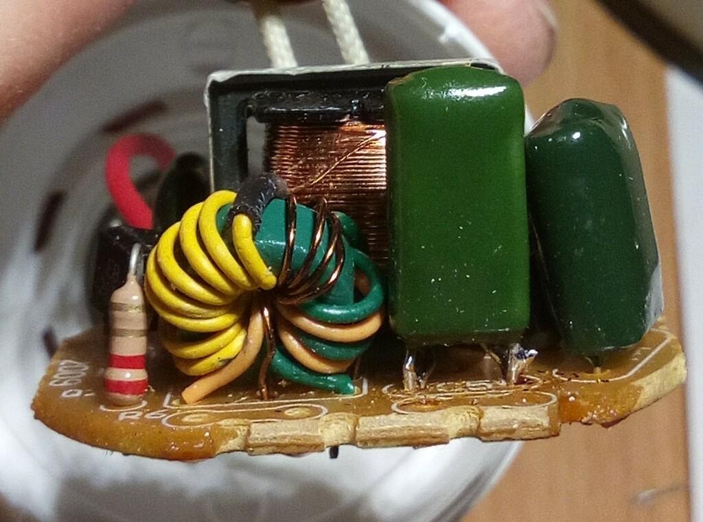 Рисунок 3: Трансформатор обратной связи с домотанной первичной обмоткой.