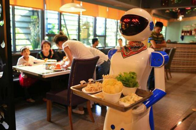 Картинки по запросу робот в ресторане
