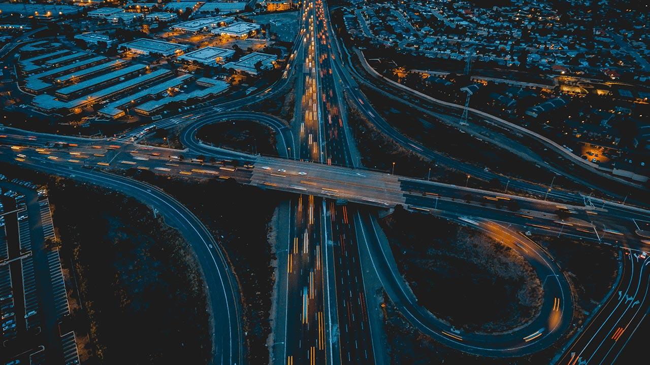 Технологии строительства умных дорог: что, как и зачем используется