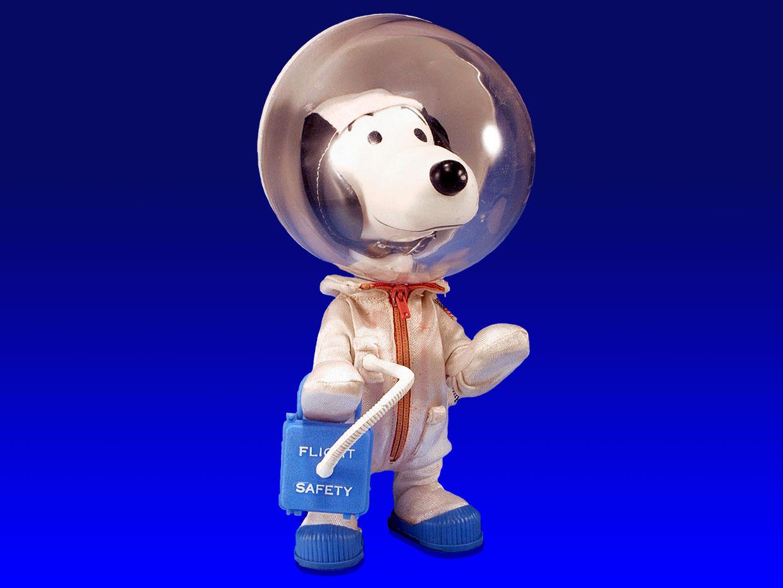 Как НАСА взяло на работу Снупи и подобрало одежду Барби