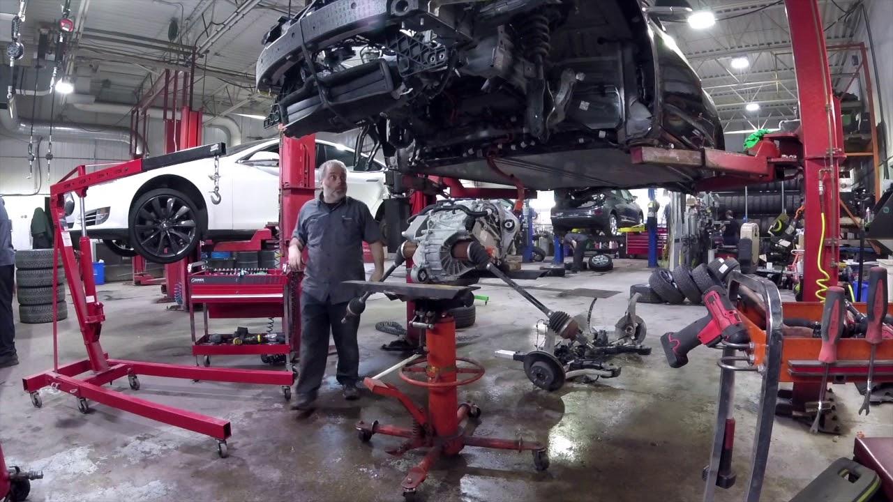 Перевод Хакеры взломали разгонный модуль Tesla Model 3 и продают его по сниженной цене