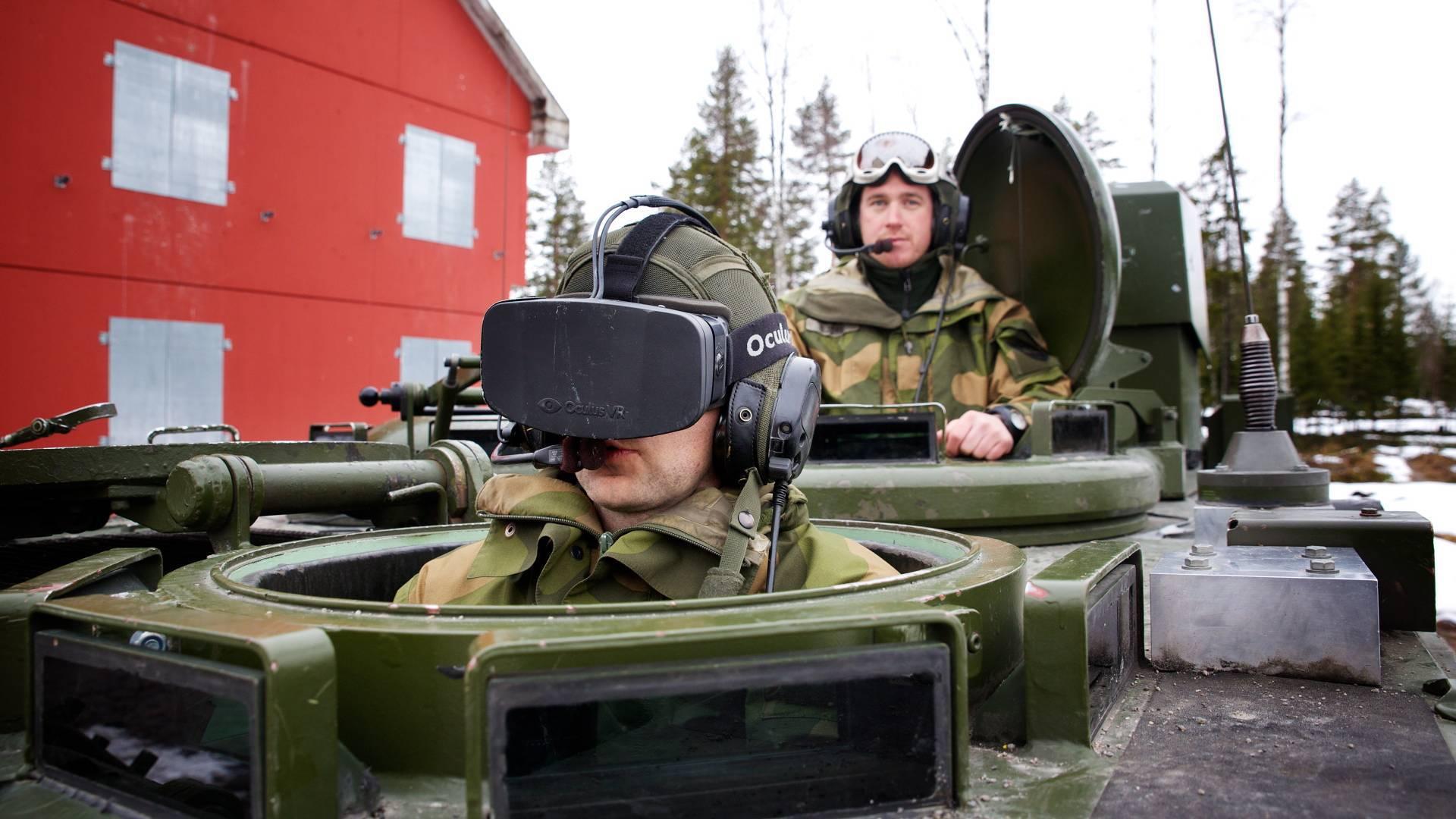 В норвежской армии пробуют управлять бронированным транспортом при помощи Oculus Rift