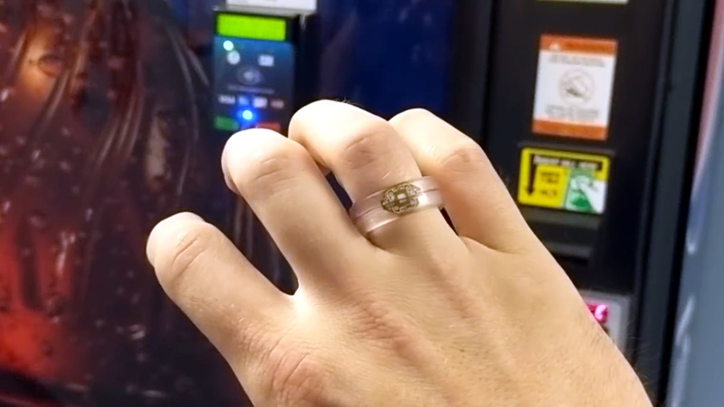 Платёжное кольцо Visa – удобное аксессуар для оплаты от банков. Как оформить и получить кольцо Visa.