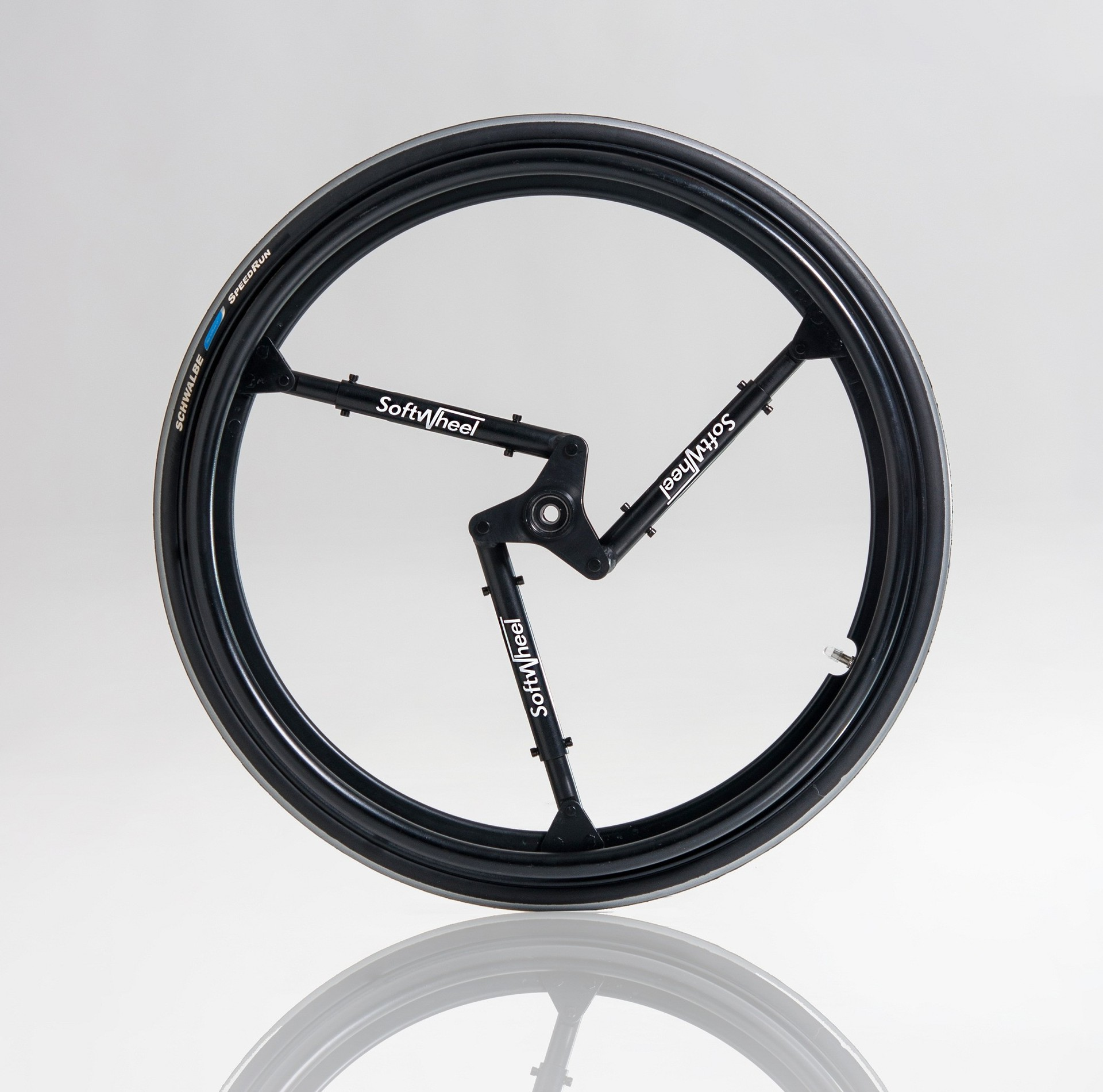 Колесо со встроенной подвеской для велосипеда или инвалидной коляски