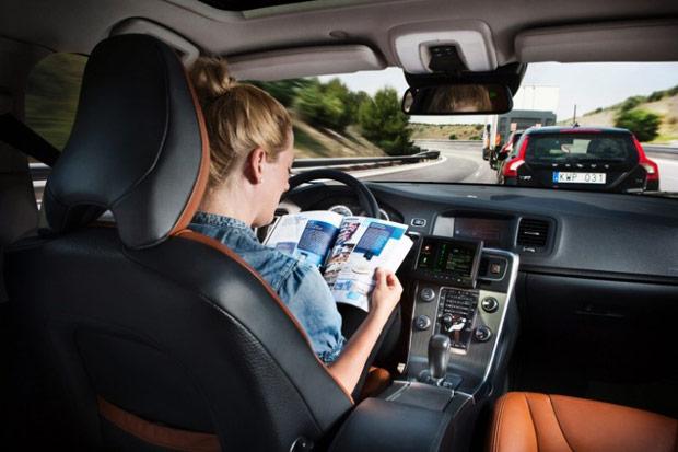 С сентября этого года робоавтомобили смогут ездить по дорогам общего назнач ...