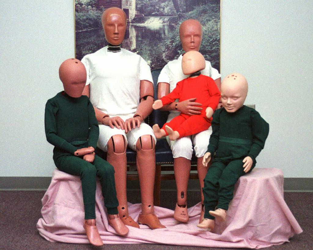 Перевод Куклы гибнут за людей