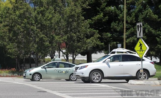 Google работает над беспилотными автомобилями собственного производства