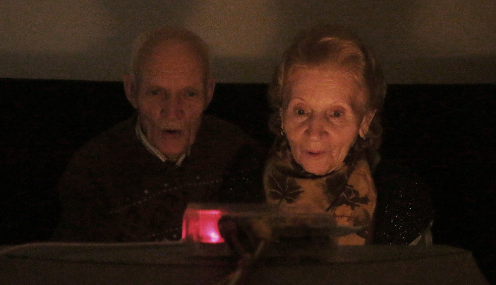 Babooshka tv, как самодельный видео-показатор сместил точку сборки моих пожилых родителей