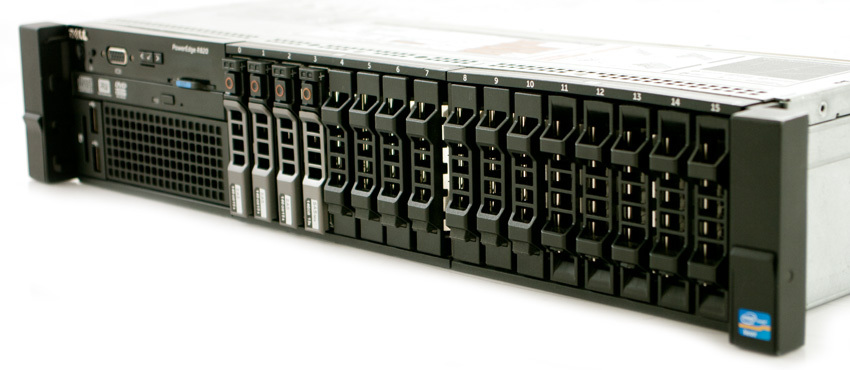 Вид с боку Dell PowerEdge R820 12G