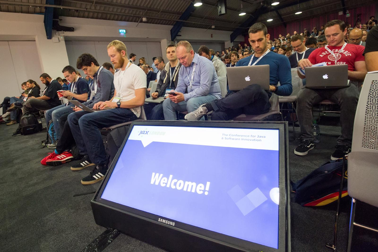Java конференция с английскими корнями. Обзор размера XXXL