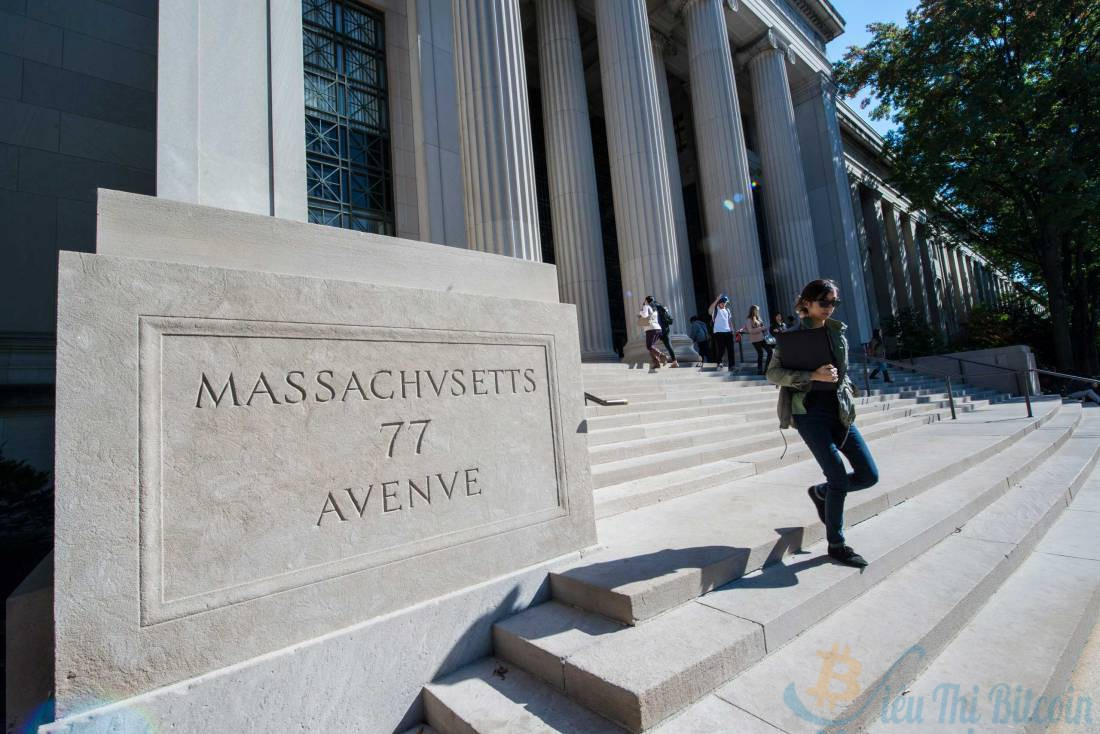 Исследователи утверждают, что увлечение ИИ частными компаниями приводит к «утечке мозгов» из университетов