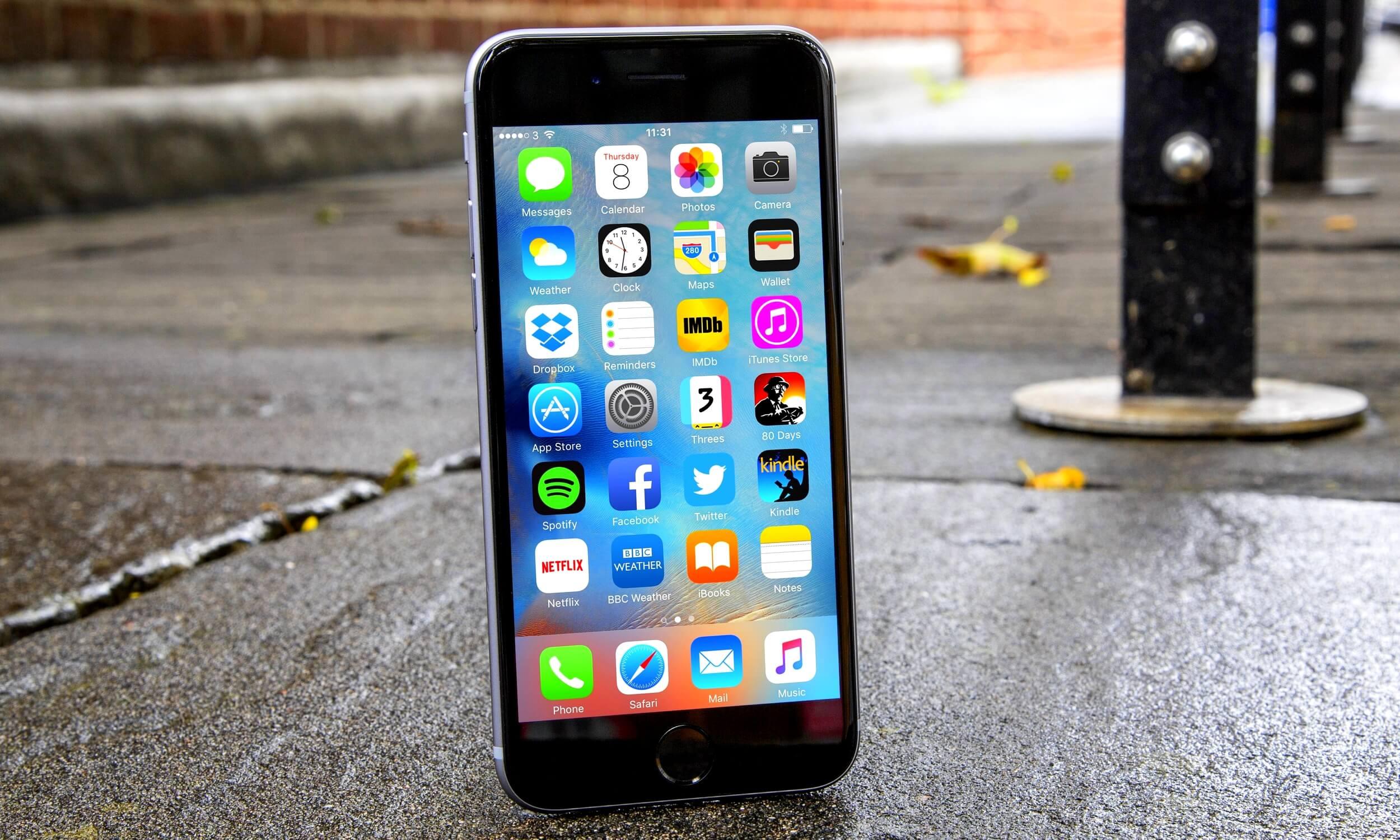 Apple получила новый коллективный иск за замедление iPhone в Европе