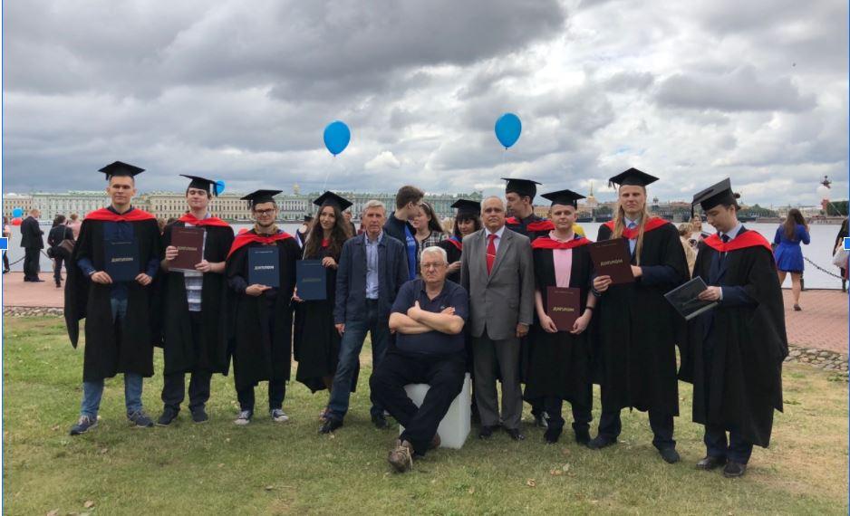 С выпускниками ИТМО, июль 2018 года