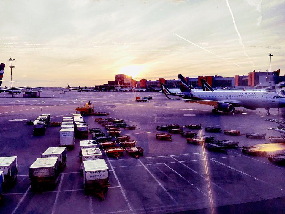 Утро в Шереметьево перед переездом в Мадрид