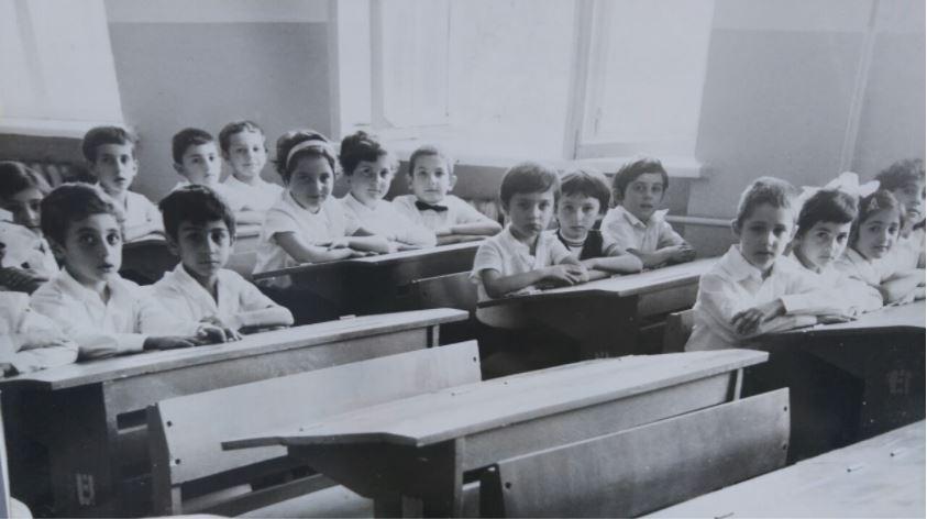 Арсен Багдасарян второй слева. Школа № 71, Ереван, 1980 г.