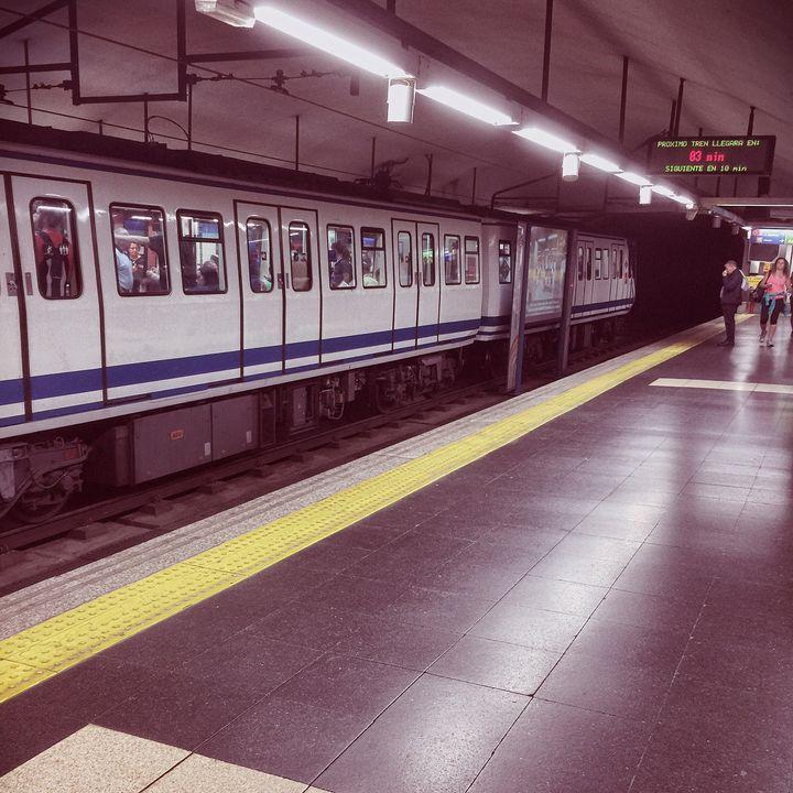 Мадридское метро в час пик, да, это — он