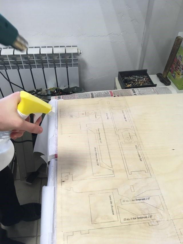 Процесс переноса чертежей на фанеру